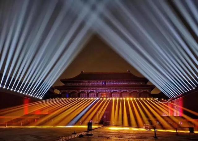 故宫上元灯会,一场大型蹦迪现场